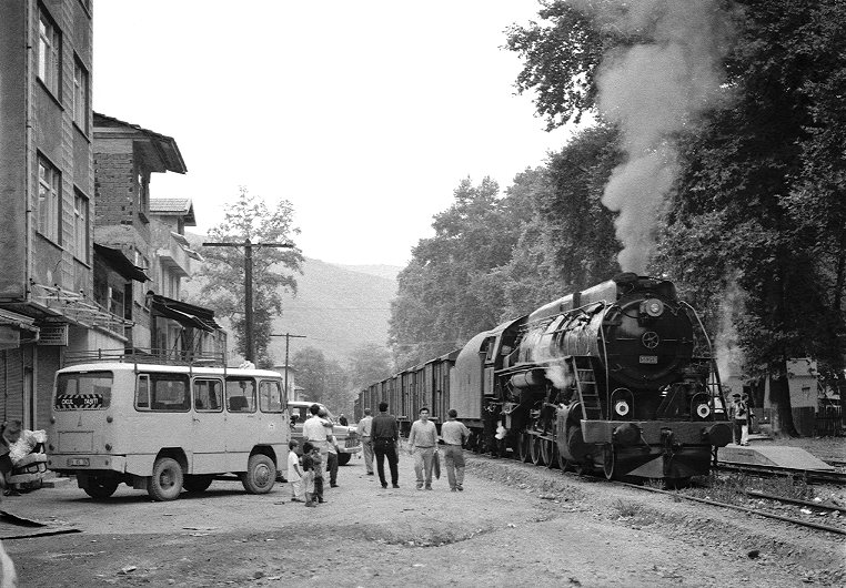 http://www.eisenbahnbildarchiv.de/pictures/tcdd101cob.jpg